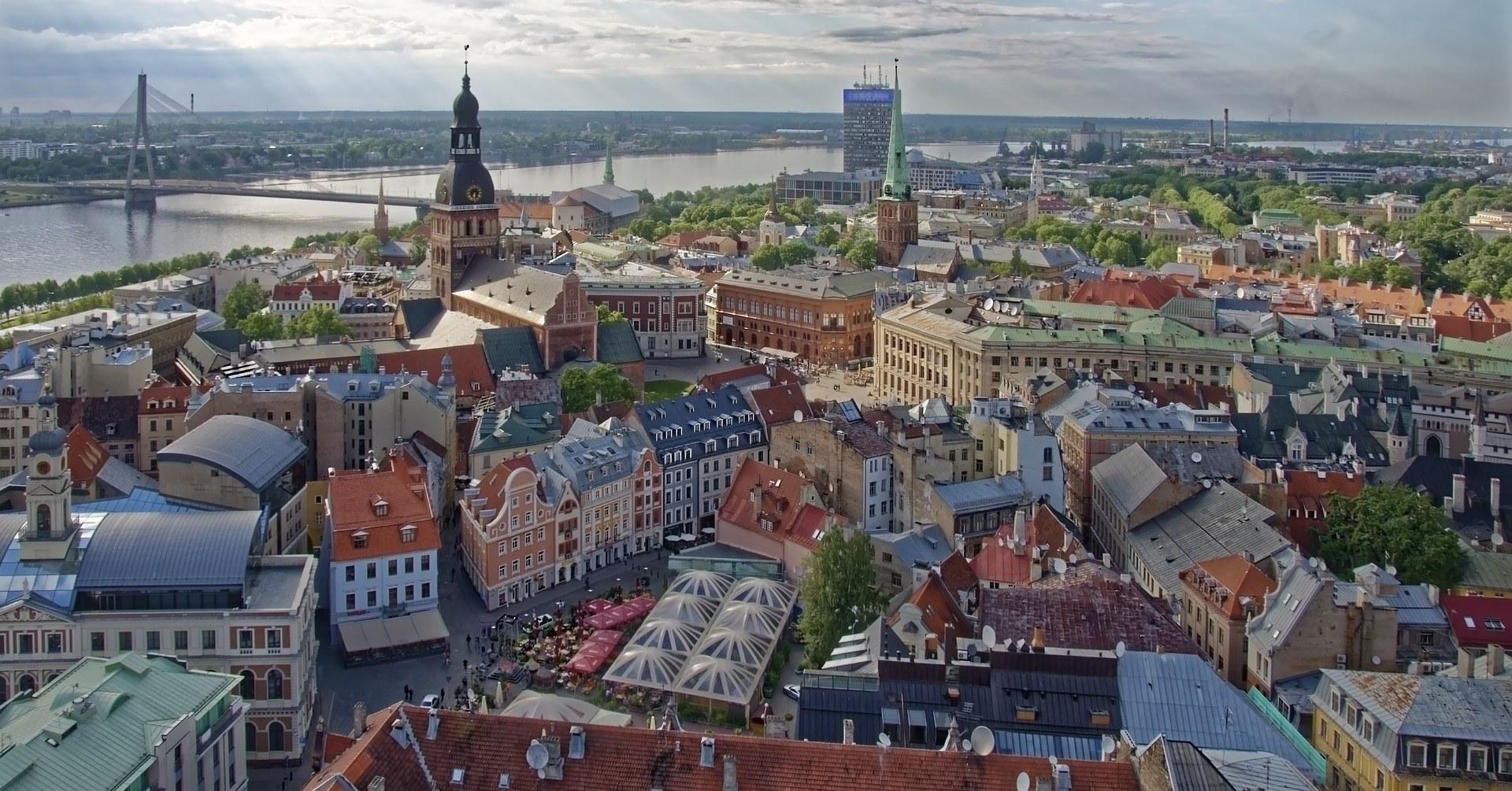 Kāpēc cilvēki vairs nevēlas dzīvot Rīgas centrā?